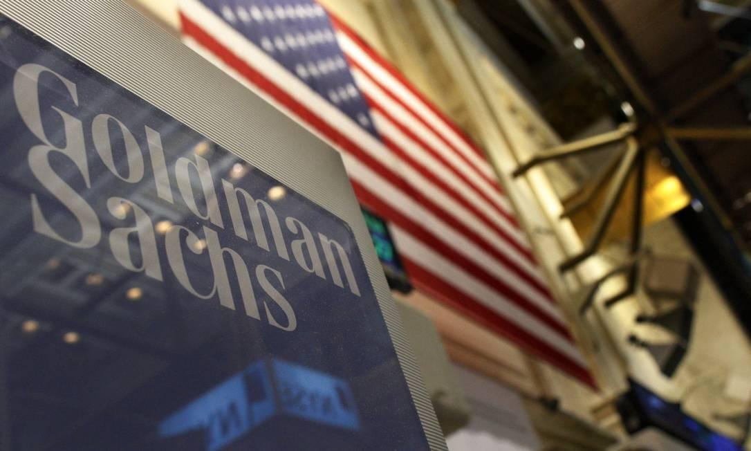 Placa do Goldman Sachs na Bolsa de Nova York: executivo chamou banco de 'tóxico' em carta de demissão Foto: BRENDAN MCDERMID / REUTERS