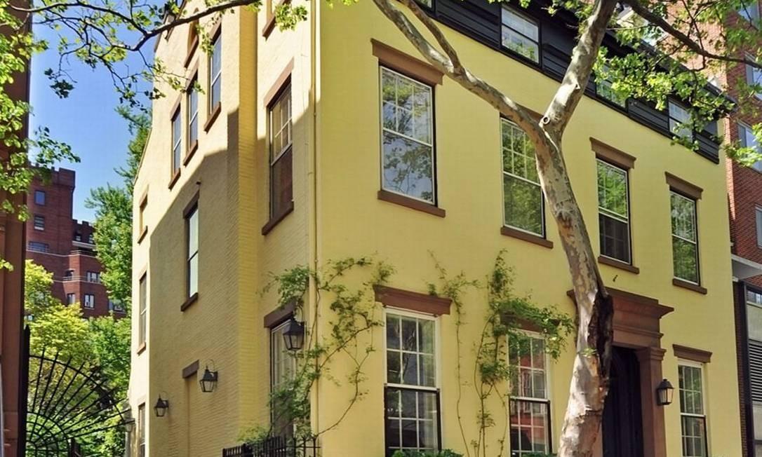 Mansão amarela, localizada no Brooklyn, onde viveu o escritor Truman Capote Foto: Reprodução da internet