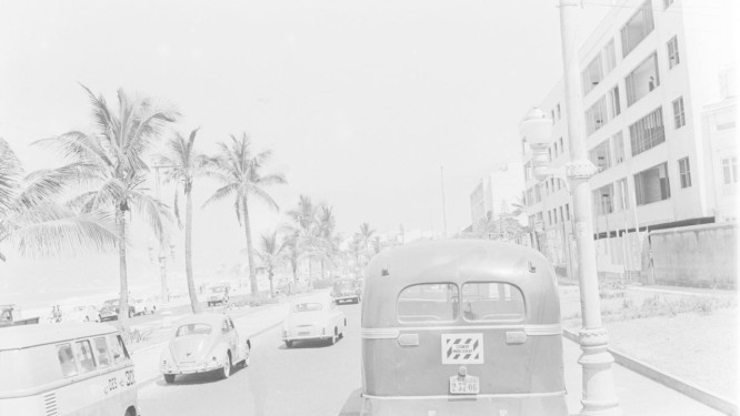 A Avenida Vieira Souto no início da década de 1960; Normal Gimbel tentou tirar a palavra 'Ipanema' da versão em inglês da música Foto: Arquivo