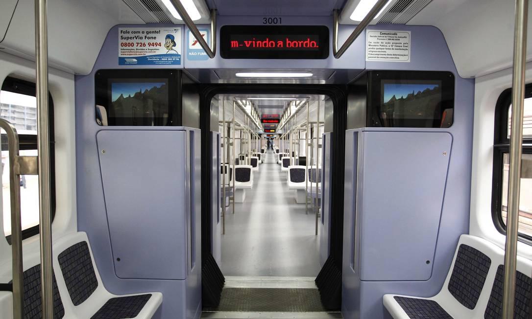 SuperVia apresenta o novo trem chinês que entrará em circulação nesta terça-feira Foto: Pablo Jacob / Agência O Globo