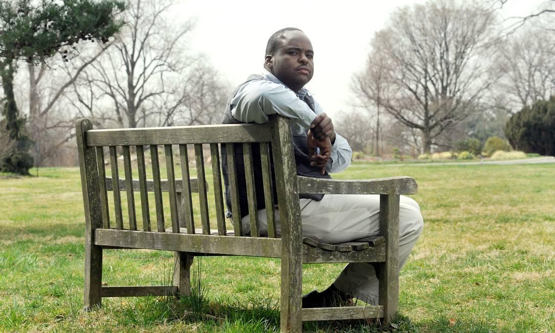 O órgão de segurança pública de Maryland pediu que o guarda Robert Collins informasse sua senha na rede social para investigar se ele possuia conexões com membros de gangues Foto: Steve Ruark / AP