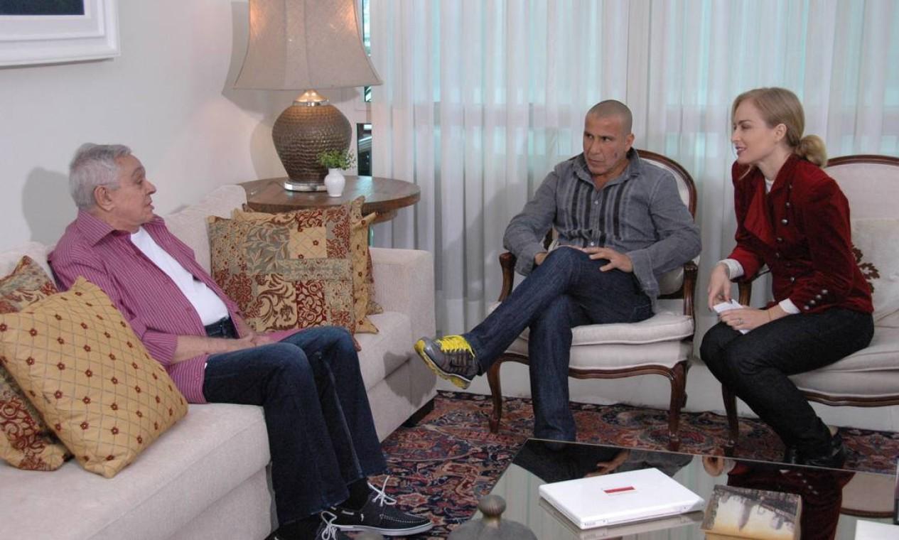 Chico Anysio ganha uma homenagem do ator Eri Johnson no programa 'Estrelas', apresentado por Angélica na TV Globo Foto: Divulgação