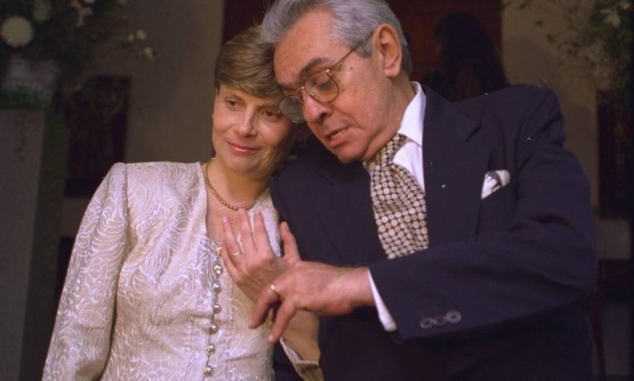 A cerimônia civil de casamento de Chico Anysio com Zelia Cardoso de Mello em 1994 Foto: Gabriel de Paiva / Agência O Globo