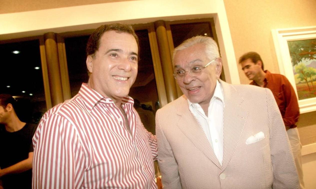 """Com Tony Ramos na abertura da exposição """"Inspirações"""", com pinturas do próprio Chico, em 2008 Foto: Divulgação"""