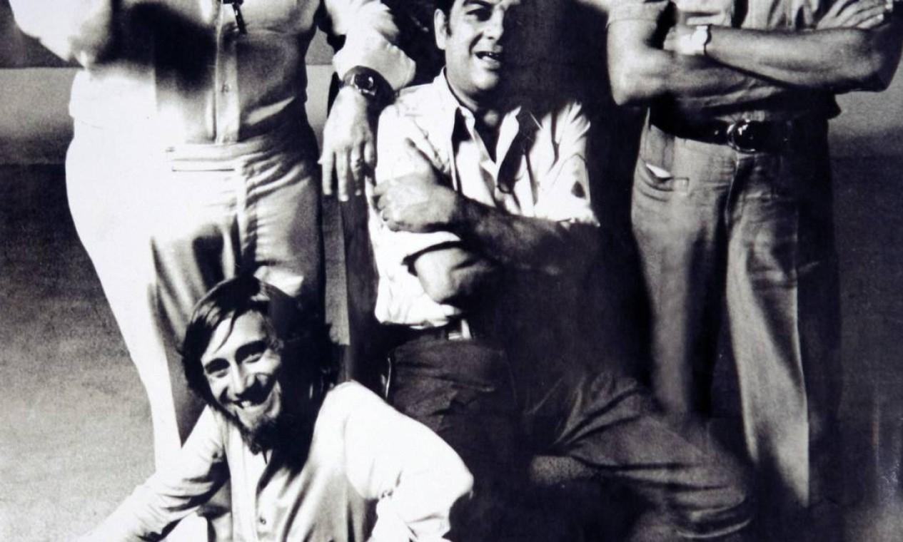 Jô Soares, Chico Anysio, Max Nunes, Haroldo Barbosa (centro), e Juarez Machado Foto: Foto Reprodução de Leonardo Aversa / Agência O GLOBO