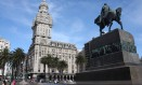 A Plaza da Independencia, no coração de Montevidéu, com o Palácio Salvo ao fundo Foto: Bruno Agostini / O Globo