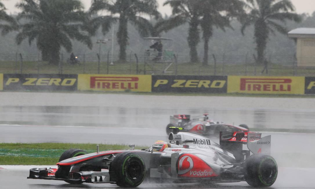 Mais uma vez, o inglês Lewis Hamilton largou na pole position e terminou em terceiro, repetindo o desempenho da prova de abertura, no Bahrein Achmad Ibrahim / AP