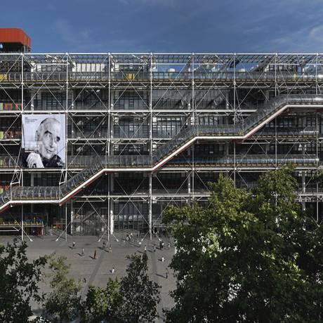 A instituição, em Paris, enaltece a cena brasileira,