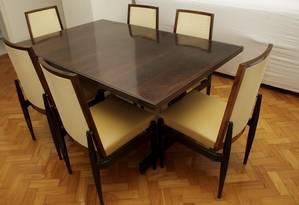 Mesa e conjunto de cadeiras: preço de móveis pode cair até 5% após redução de imposto Foto: Agência O Globo / Pedro Kirilos
