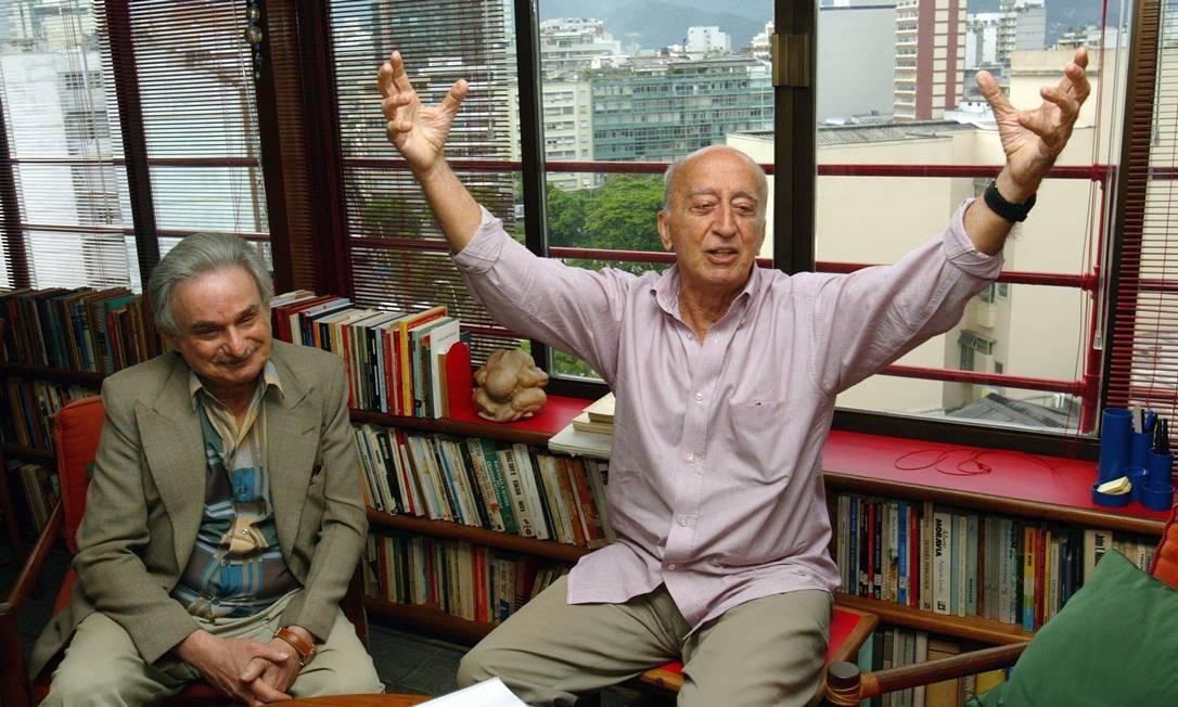 Millôr Fernandes e João Bitencourt que dirigiu, em 2005, uma peça que tem o texto do Millôr Foto: Marcos Ramos / Agência O GLOBO