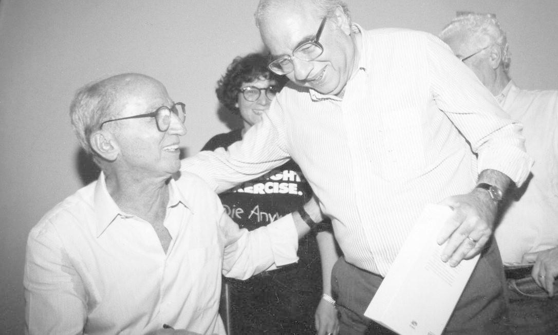 A maior parte da equipe do Pasquim ficou dois meses presa no fim de 1970 — e Millôr, um dos que ficou de fora, assumiu a direção do jornal e tornou-se também ghost-writer dos colegas Foto: Ari Lago / Agência O GLOBO