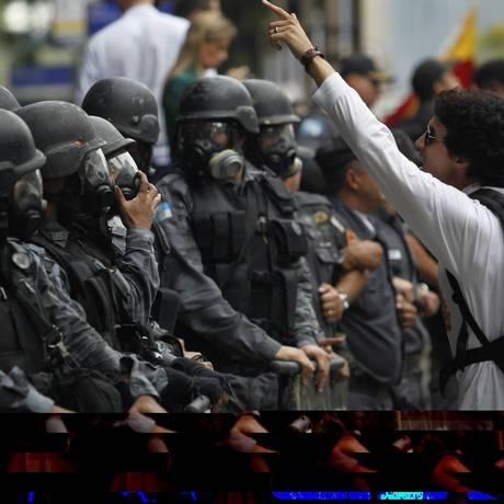 Tumulto em frente ao Clube Militar no Centro do Rio Foto: O Globo / Marcelo Piu