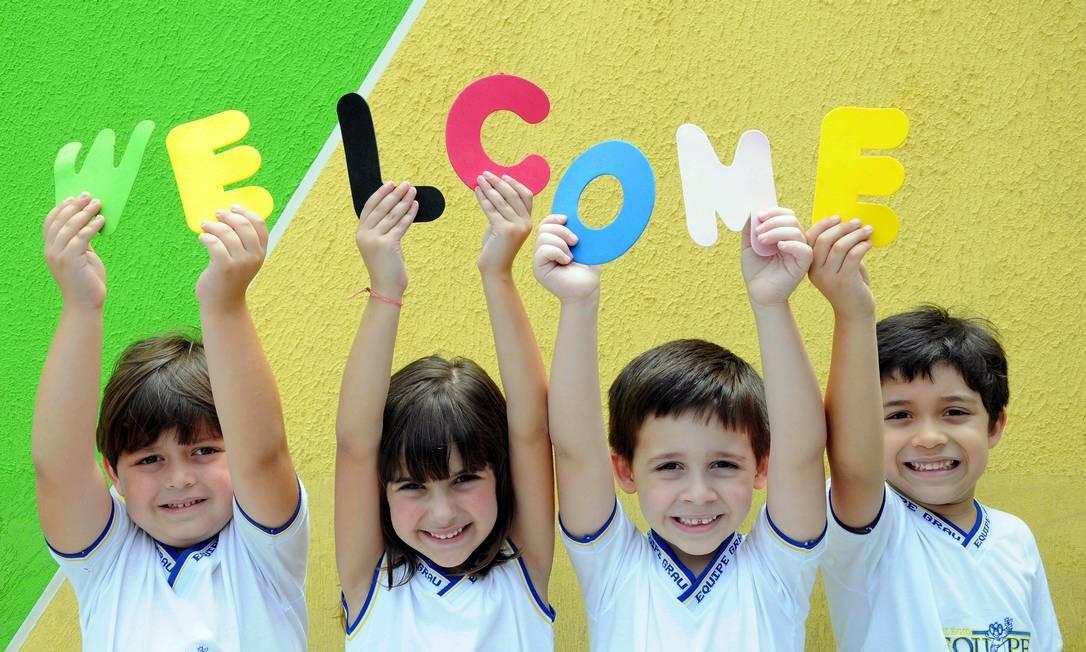 Crianças aprendendo inglês no colégio bilíngue Equipe Grau: sem saber, elas estão aprimorando suas funções cognitivas Foto: Nina Lima