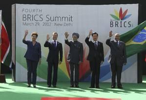 Dilma (À esquerda), Dmitri Medvedev, Manmohan Singh, Hu Jintao e Jacob Zuma: mais dinheiro no FMI, só com mais voz para emergentes Foto: Ria Novosti / Reuters