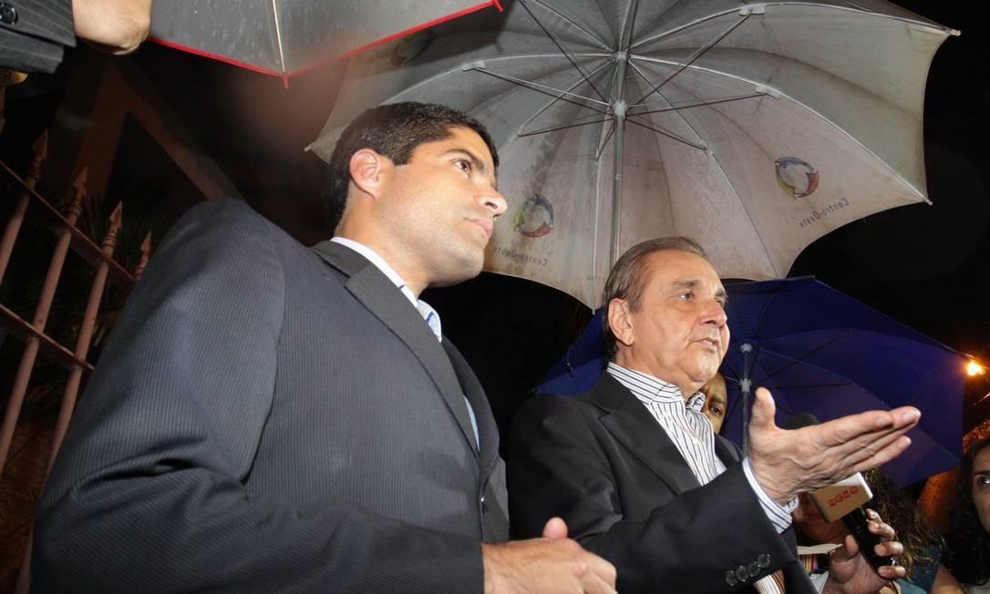 Agripino Maia e ACM Neto anunciam abertura de processo de expulsão do senador Demóstenes Torres do DEM Foto: O Globo / André Coelho