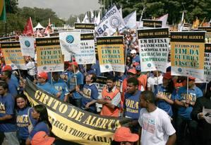 Manifestação a favor da produção e do emprego reúne 90 mil em São Paulo Foto: Agência O Globo / Marcos Alves