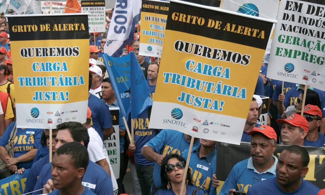 Segundo a Polícia Militar, 10 mil pessoas estiveram no protesto Foto: Agência O Globo