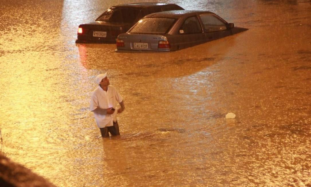 A chuva mais intensa em Teresópolis caiu entre as 14h30 e as 16h Foto da leitora Kellen Lopes / Eu-Repórter