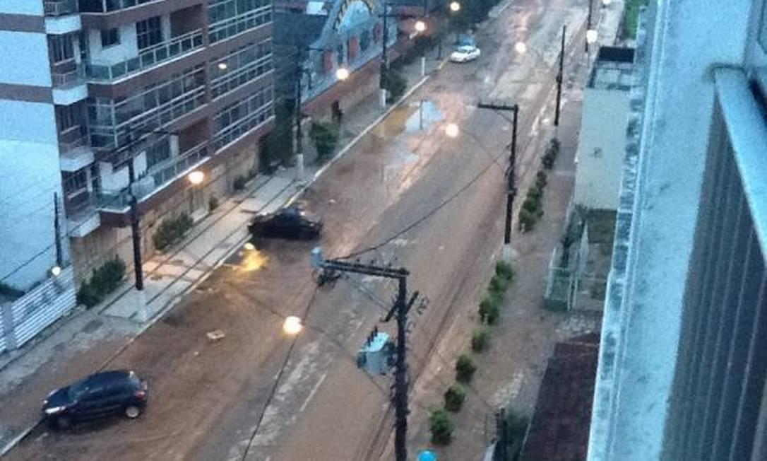 Assim amanheceu em Teresópolis neste sábado após a chuva: lama e carros jogados Foto do leitor Gabriel Freitas Santos / Eu-Repórter