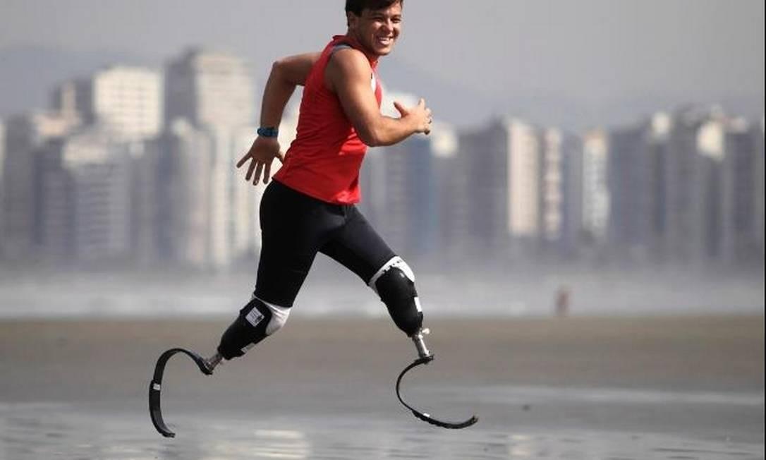 Foto vencedora do prêmio Arfoc-SP tem o triatleta amputado Paulo Eduardo Chieffi Aagard, o Pauê, Foto: Marcos Alves / O Globo