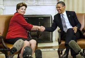 A presidente Dilma Rousseff encontra-se com o presidente norte-americano Barack Obama na Casa Branca, em Washington D.C. Foto: Agência AFP