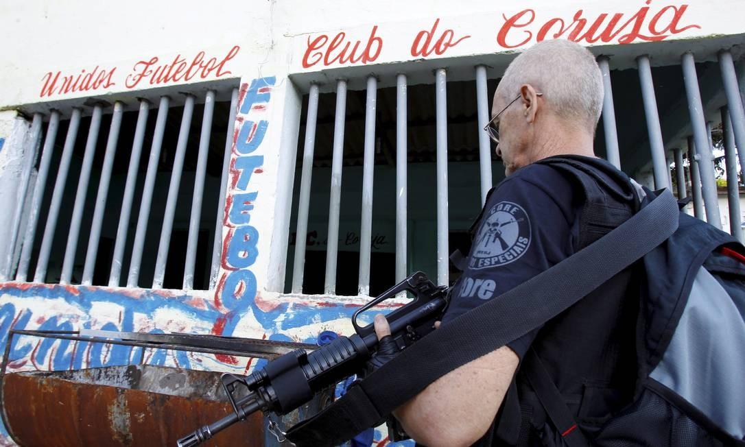 O objetivo as operações é capturar bandidos que estão praticando assaltos em Niterói Foto: O Globo / Fernando Quevedo