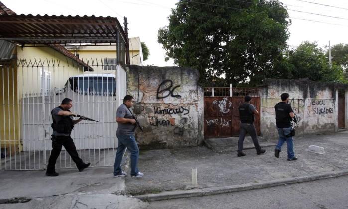 Gaguinho também comanda a venda de drogas nos Morros do Feijão do Martins, em São Gonçalo, e na Fazendinha, no Rio O Globo / Fernando Quevedo