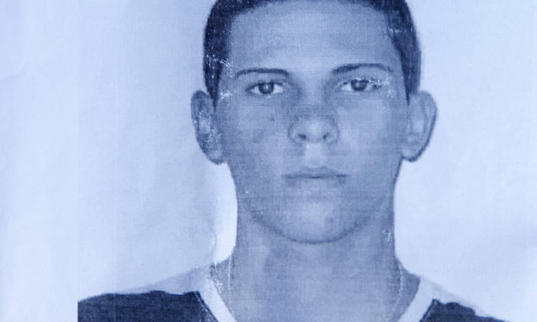 Os policiais tinham como objetivo cumprir dois mandados de prisão. Um contra Wallacy Santos Quintanilha, o PQD, de 20 anos... O Globo / Reprodução