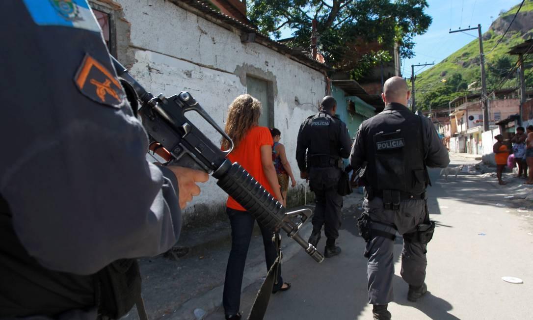 Na quarta-feira, o secretário de Segurança, José Mariano Beltrame, admitiu pela primeira vez que vem ocorrendo uma migração de bandidos do Rio para Niterói Foto: O Globo / Gabriel de Paiva
