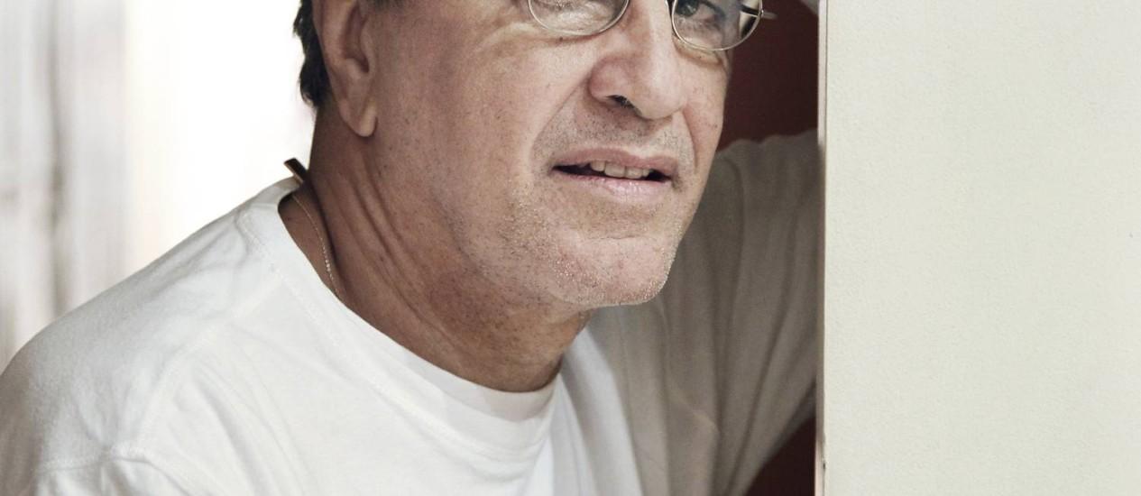 Caetano discorda da associação que Schwarz faz entre seu pensamento e o da direita no livro 'Martinha versus Lucrécia', que o crítico lança na segunda-feira Foto: Monica Imbuzeiro / Agência O Globo