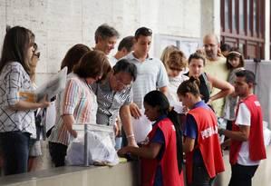 Movimento no Consulado dos EUA no Rio: vistos para não-imigrantes mais caros Foto: Agência O Globo / Márcia Foletto