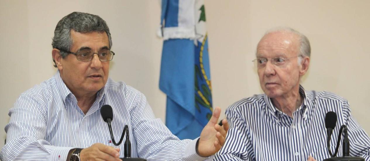 Rubens Lopes e Zagallo durante coletiva nesta quarta-feira Foto: Ivo Gonzalez / O Globo