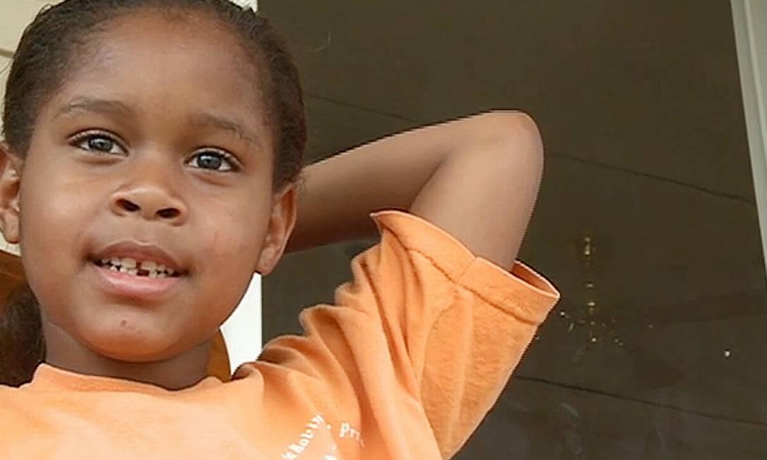 Salecia Johnson: algemada após ataque de fúria na escola Foto: AP