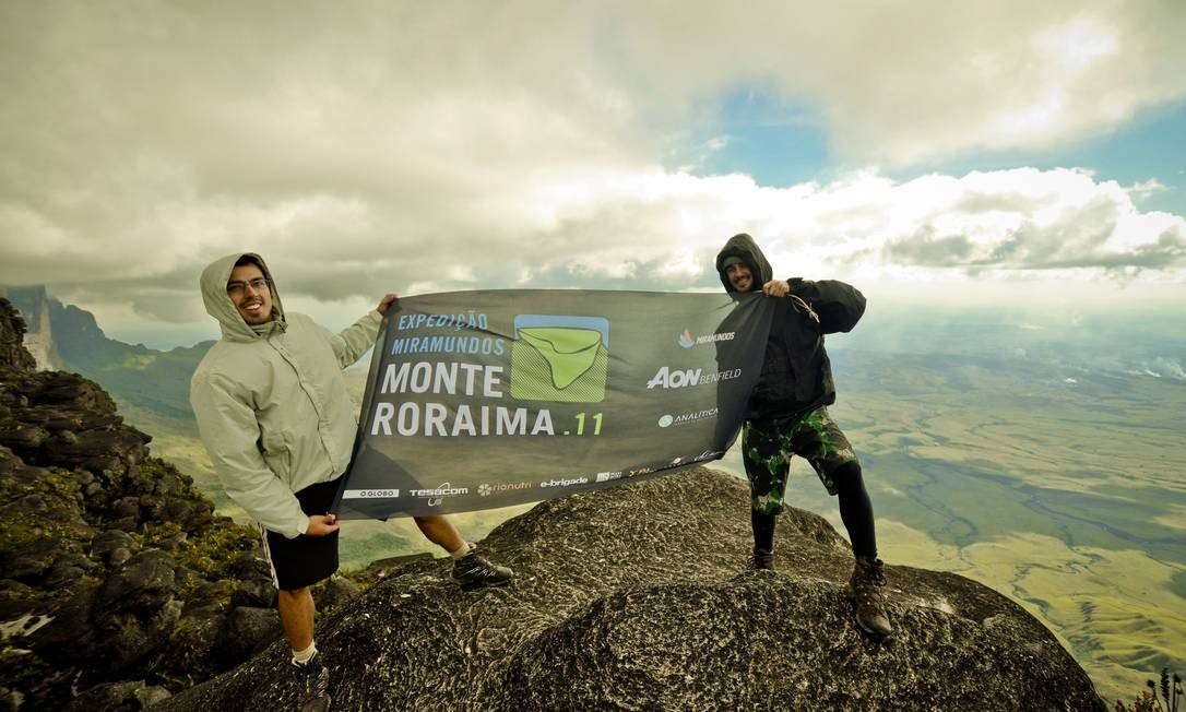 Miramundos: Rafael Duarte (à esquerda) e Jaime Vilaseca no Monte Roraima, segunda expedição da dupla Foto: Divulgação / Roberto Vámos