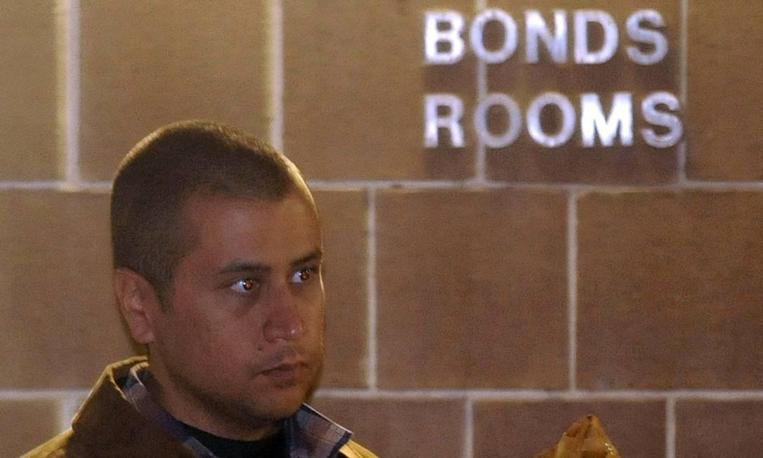 O vigia comunitário George Zimmerman deixa a prisão no condado de Seminole, em Sanford, na Flórida Foto: Reuters