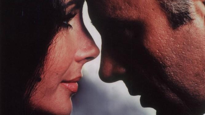 A conturbada relação entre Elizabeth Taylor e Richard Burton vai virar filme na TV americana Foto: Arquivo