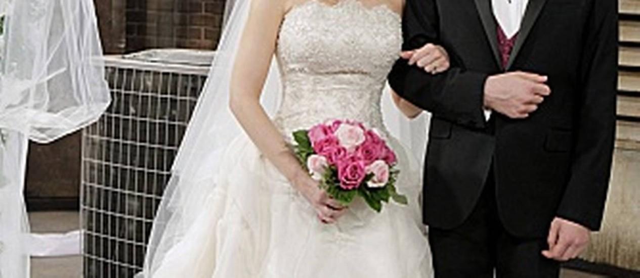 """O casamento de Howard e Bernadette em """"The big bang theory"""" Foto: Reprodução"""