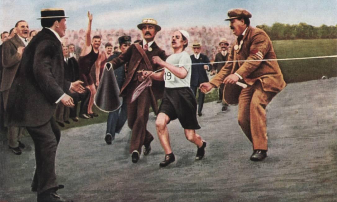 O italiano Dorando Pietri, que venceu a maratona em 1908, mas foi desclassificado por ter sido ajudado Foto: Reprodução / Reprodução