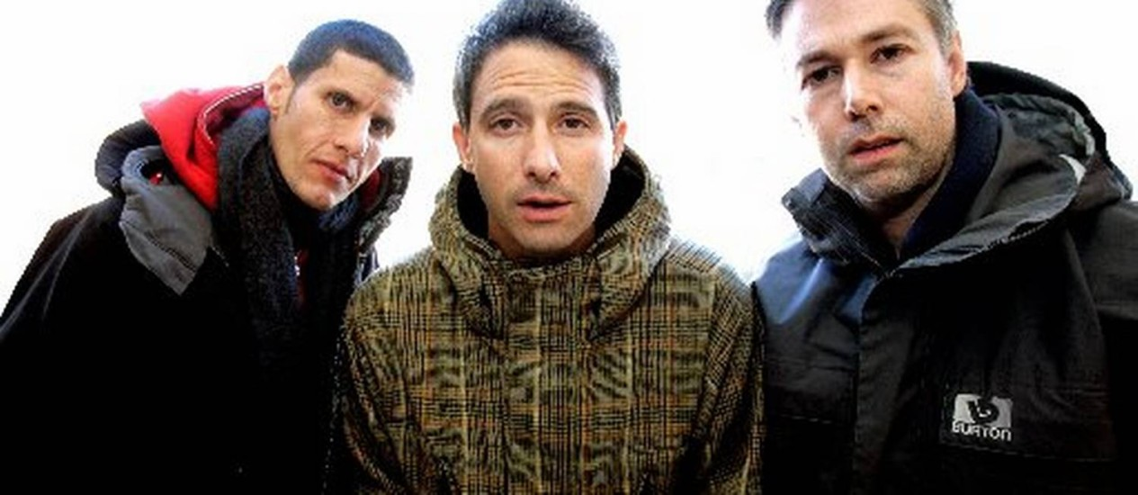 Adam Yauch, à direita, ao lado dos seus colegas do Beastie Boys Foto: Mario Anzioni / Reuters