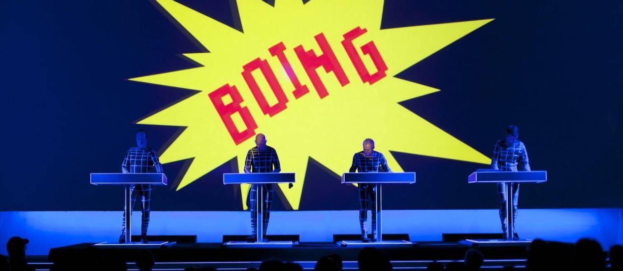O Kraftwek em ação no MoMA de Nova York, onde se apresentou por oito dias, em abril, com o formato 3D que trará a São Paulo: substitutos de Björk Foto: Divulgação