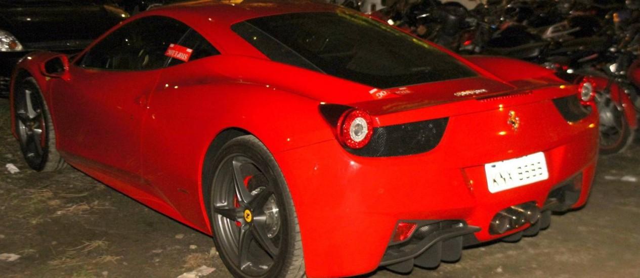 A Ferrari de Thor Batista, apreendida pela polícia Foto: Marcello Sá Barretto / Photo Rio News