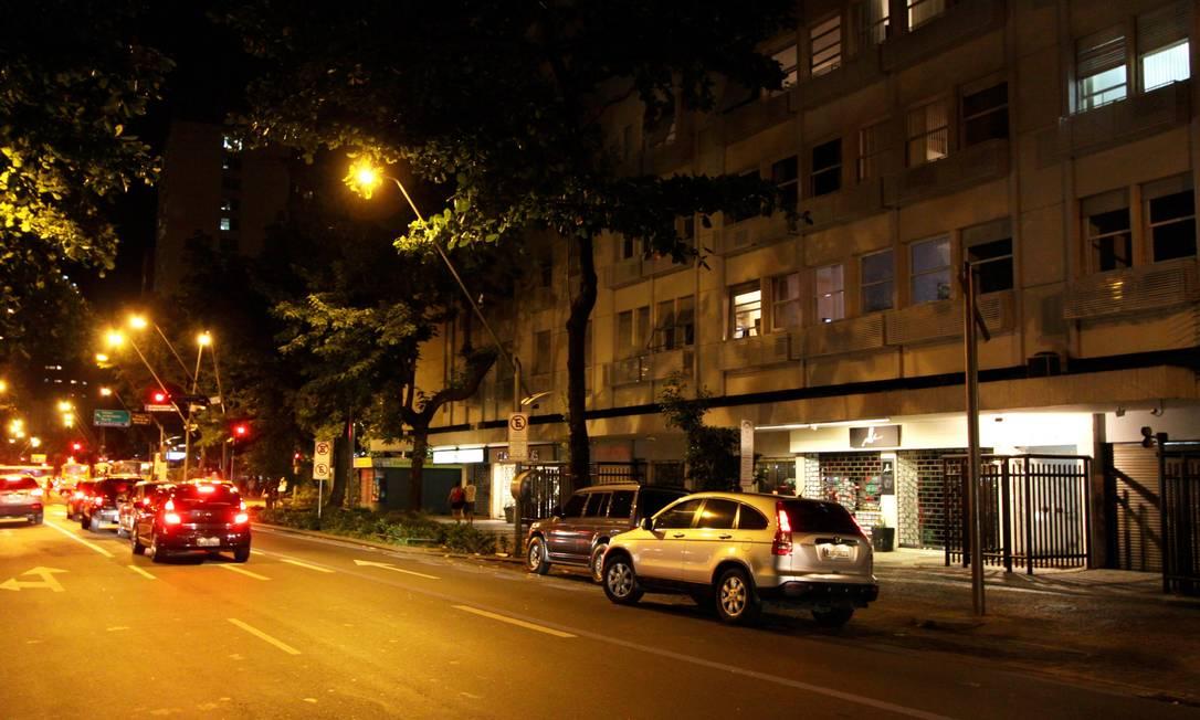 Avenida Ataufo de Paiva, entre as rua Venâncio Flores e General Urquiza, no Leblon: um dos trechos que serão impactados Foto: Paulo Nicolella / Agência O Globo