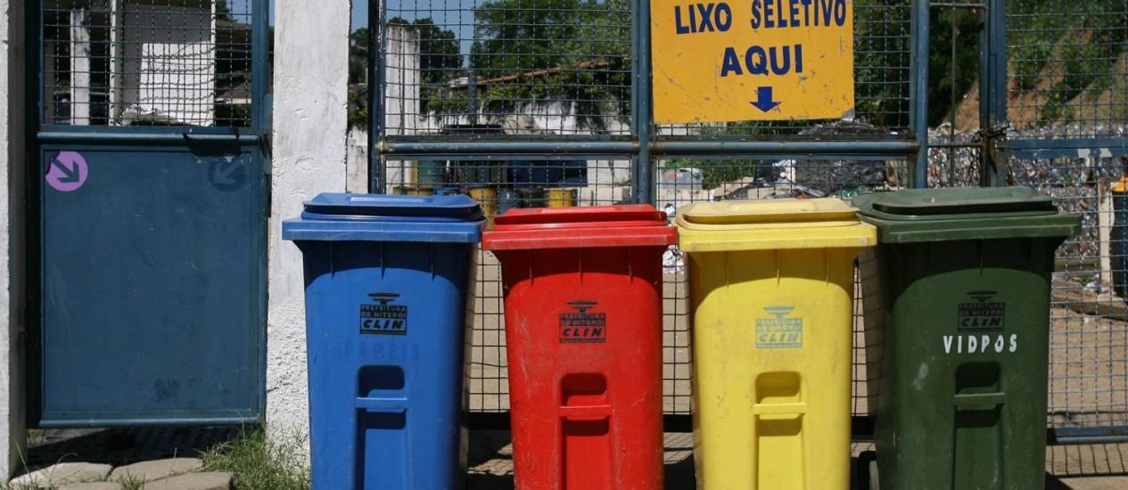 Recycle bins in Niterói, a city of Rio de Janeiro state, Brazil Foto: Agência O Globo / Ana Branco