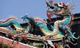 Detalhes do templo Longshan, um dos mais bonitos de Taipé, capital de Taiwan
