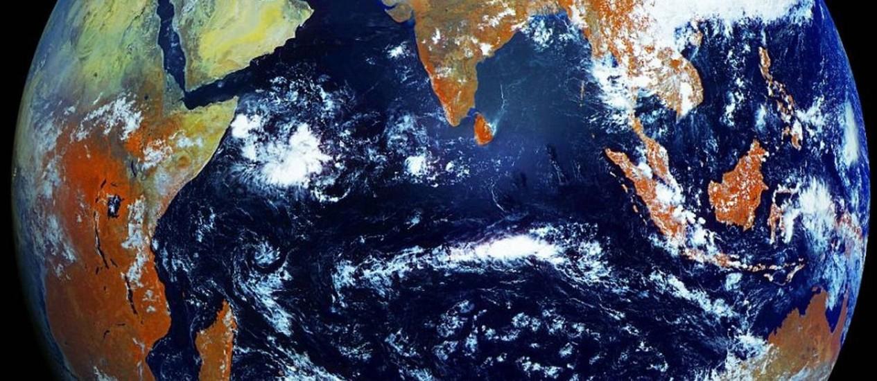 Imagem do satélite meteorológico russo Electro-L mostra todo o disco terrestre em alta resolução, com cada pixel correspondendo a uma área de cerca de 1 km quadrado Foto: Divulgação/Roscosmos