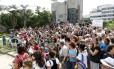 Moradores de Ipanema foram à praça protestar na manhã deste sábado