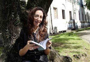 Mulheres que passaram os homens entre as pessoas que fazem doutorado, como é o caso da aluna da UFRJ Liandra Cardoso Foto: O Globo / Cezar Loureiro