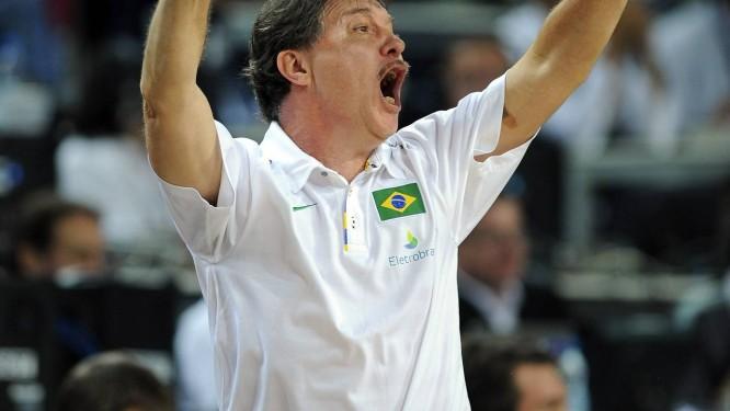 Ruben Magnano convocou nesta quinta a seleção brasileira que vai aos Jogos de Londres Foto: AP/Arquivo