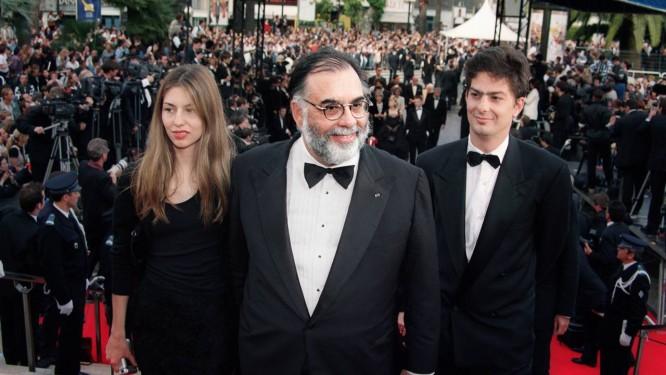 Coppola, entre Sofia e Roman, no Festival de Cannes de 1996: família com vocação para o risco na tela Foto: AFP