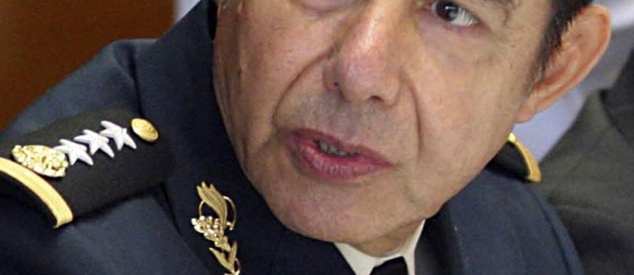 O general Tomás Angeles Dauahare, um dos presos pela investigação civil esta semana Foto: Reuters